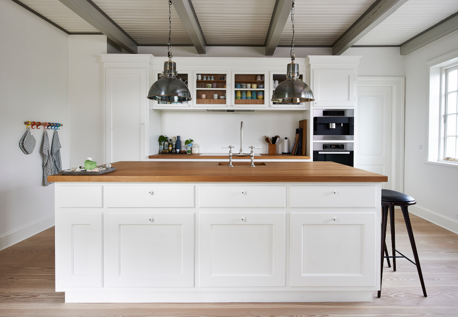 Hygggeligt og moderne landkøkken i Klitmøller